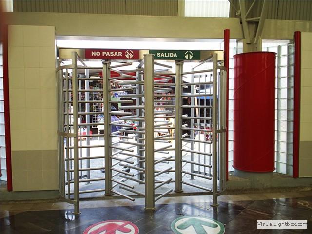Puertas Para Baños Publicos De Monedas:Puertas giratorias o torniquetes de altura completa Fabricadas con la